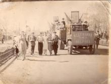 Рубцовск 1 мая 1953г. Демонстрация, Мебельная фабрика (прислала: Наталья Панафидкина)