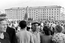 Рубцовск Открытие памятника Ленину (прислал Гутов Игорь) 1960г.