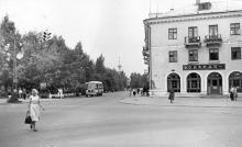 Рубцовск Перекресток ул.Комсомольская - ул.Калинина, вид на ост. Д.Парк