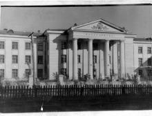 Рубцовск Поликлинника АТЗ вид с просп.Ленина
